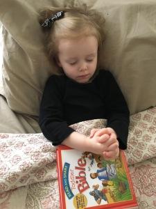 scarlett-praying
